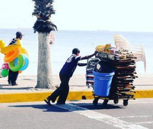 ★ What a Hard work! Morning in Salinas. #Ecuador #Salinas #Beach #HardWork #WorkingMan #EcuadorPotenciaTuristica #EcuadorIsAllYouNeed #EcuadorTravel #Ecuadorian #EcuadorFlavors #DiscoverEcuador #EcuadorAmaLaVida #Landscape #LikeNowhereElse #EarthPorn #InstaTravel #TravelGram #TravelPorn #Tropical #Paradise #Beauty #Nature #Photograph #PicOfTheDay #Colorful