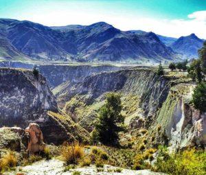 ★ Muy agradecida con @fotoecua por compartir mi fotografia!! PHR: @bianquicc  #Cotopaxi #Ecuador #Quilotoa #montañas #naturaleza #DiscoverEcuador #EcuadorPotenciaTuristica #EcuadorIsAllyouNeed #EcuadorTuristico #EcuadorAmaLavida #EcuadorPrimero #SoClose #LikeNoWhereElse #ViajaPrimeroEcuador #AllInOnePlace #AllYouNeedIsEcuador #PaisajesEcuador #PaisajesEcuador593 #FeelAgainInEcuador #Love #Nature_Wizards #Nature_Perfections #Wow_America #World_Shots #WorldCaptures