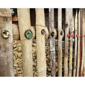 ★ Tapillas, clavos, cañas guaduas y un martillo es todo lo que necesitan para hacer el cercado de tu casa… La gente que me gusta es creativa ✌  #guayaquil #allyouneedisecuador #ecuador #guayaquilesmidestino #voyage #travelblogger #viajar #tapas #travelingram #cerca #traveler #fiturinspiration #viaggi #viagem #viaje #ecuadortravel #turismo #wildon #adventure  #ecuadorisallyouneed #likenowhereelse #worldcaptures #challengeonnaturephotography #vulture #rutaviva #instameetec#aefona #feelagaininecuador #discoverecuador