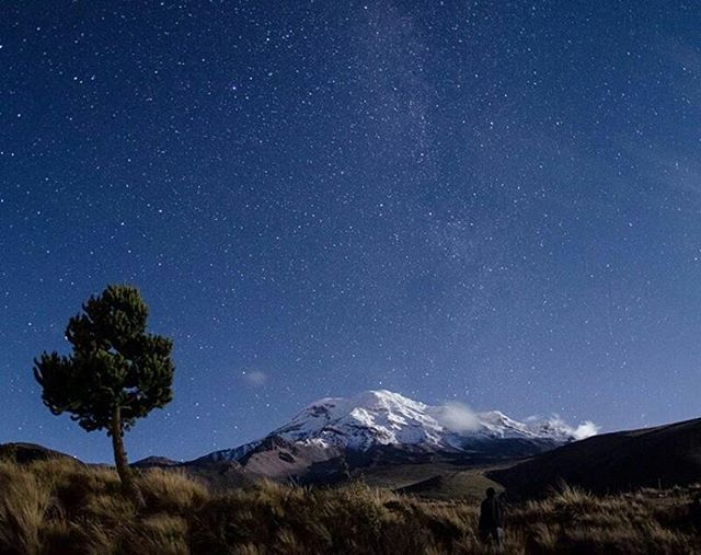 ★ VOLCÁN CHIMBORAZO  By : @vicer_  #Chimborazo #ProvinciaDeChimborazo #DiscoverEcuador #EcuadorPotenciaTuristica #EcuadorIsAllyouNeed #EcuadorTuristico #EcuadorAmaLavida #EcuadorPrimero #Ecuador #SoClose #LikeNoWhereElse #ViajaPrimeroEcuador #AllInOnePlace #AllYouNeedIsEcuador #PaisajesEcuador #PaisajesEcuador593 #FeelAgainInEcuador #Love #Nature_Wizards #Nature_Perfections #Wow_America #World_Shots #WorldCaptures #LoveIsInTheAir