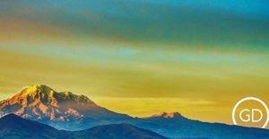 ★ EL PUNTO MÁS CERCANO AL SOL – VOLCÁN CHIMBORAZO  By : @gabrieldiaz593  #Chimborazo #ProvinciaDeChimborazo #DiscoverEcuador #EcuadorPotenciaTuristica #EcuadorIsAllyouNeed #EcuadorTuristico #EcuadorAmaLavida #EcuadorPrimero #Ecuador #SoClose #LikeNoWhereElse #ViajaPrimeroEcuador #AllInOnePlace #AllYouNeedIsEcuador #PaisajesEcuador #PaisajesEcuador593 #FeelAgainInEcuador #Love #Nature_Wizards #Nature_Perfections #Wow_America #World_Shots #WorldCaptures