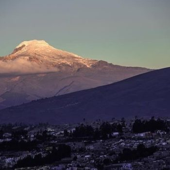 ★ QUITO CON UNA VISTA INCREÍBLE DEL CAYAMBE  By : @davidbalcony  #Quito #ProvinciaDePichincha #DiscoverEcuador #EcuadorPotenciaTuristica #EcuadorIsAllyouNeed #EcuadorTuristico #EcuadorAmaLavida #EcuadorPrimero #Ecuador #SoClose #LikeNoWhereElse #ViajaPrimeroEcuador #AllInOnePlace #AllYouNeedIsEcuador #PaisajesEcuador #PaisajesEcuador593 #FeelAgainInEcuador #Love #Nature_Wizards #Nature_Perfections #Wow_America #World_Shots #WorldCaptures