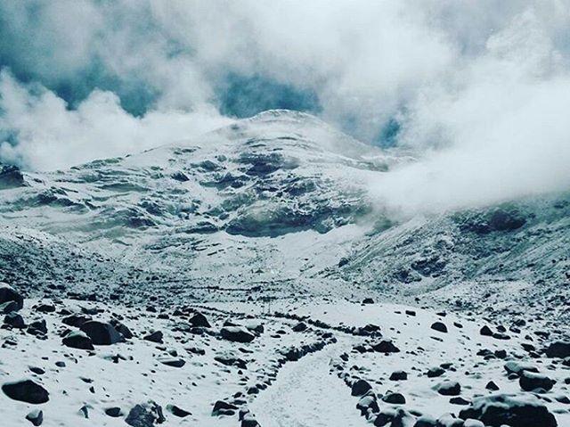 ★ VOLCÁN CHIMBORAZO  By : @daniel26082  #Chimborazo #ProvinciaDeChimborazo #DiscoverEcuador #EcuadorPotenciaTuristica #EcuadorIsAllyouNeed #EcuadorTuristico #EcuadorAmaLavida #EcuadorPrimero #Ecuador #SoClose #LikeNoWhereElse #ViajaPrimeroEcuador #AllInOnePlace #AllYouNeedIsEcuador #PaisajesEcuador #PaisajesEcuador593 #FeelAgainInEcuador #Love #Nature_Wizards #Nature_Perfections #Wow_America #World_Shots #WorldCaptures