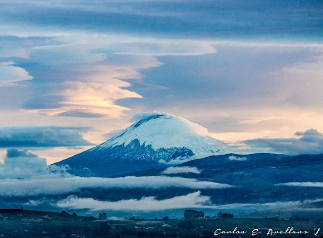 ★ VOLCÁN COTOPAXI  By : @yosoycarlitosav  #Cotopaxi #ProvinciaDeCotopaxi #DiscoverEcuador #EcuadorPotenciaTuristica #EcuadorIsAllyouNeed #EcuadorTuristico #EcuadorAmaLavida #EcuadorPrimero #Ecuador #SoClose #LikeNoWhereElse #ViajaPrimeroEcuador #AllInOnePlace #AllYouNeedIsEcuador #PaisajesEcuador #PaisajesEcuador593 #FeelAgainInEcuador #Love #Nature_Wizards #Nature_Perfections #Wow_America #World_Shots #WorldCaptures