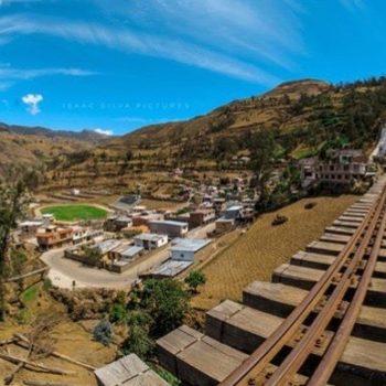 ★ ALAUSÍ - CHIMBORAZO  By : @alausitours  #Alausí #ProvinciaDeChimborazo #DiscoverEcuador #EcuadorPotenciaTuristica #EcuadorIsAllyouNeed #EcuadorTuristico #EcuadorAmaLavida #EcuadorPrimero #Ecuador #SoClose #LikeNoWhereElse #ViajaPrimeroEcuador #AllInOnePlace #AllYouNeedIsEcuador #PaisajesEcuador #PaisajesEcuador593 #FeelAgainInEcuador #Love #Nature_Wizards #Nature_Perfections #Wow_America #World_Shots #WorldCaptures