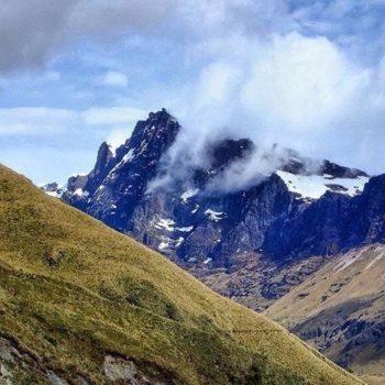 ★ EL ALTAR - PROVINCIA DE CHIMBORAZO  By : @lucasgsrzonf  #ElAltar #ProvinciaDeChimborazo #DiscoverEcuador #EcuadorPotenciaTuristica #EcuadorIsAllyouNeed #EcuadorTuristico #EcuadorAmaLavida #EcuadorPrimero #Ecuador #SoClose #LikeNoWhereElse #ViajaPrimeroEcuador #AllInOnePlace #PaisajesEcuador593 #FeelAgainInEcuador #Love #Nature_Wizards #Nature_Perfections #Wow_America #World_Shots #WorldCaptures