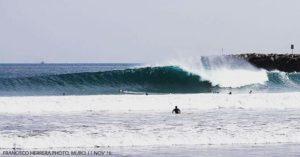 ★ Nuestra querida Playa Murciélago, sorprendiéndonos desde temprano esta temporada de olajes nortes. Ha sido una semana de excelentes olas en nuestras playas, que se resumen en esta imagen. La fiesta sigue #manta #mantabodyboard #manabisurfspots #surf #surfecuador #surfline #ecuadorpotenciaturistica #ecuador #bodyboard #canon7d #canon #canonshot #canon100_400 #paisajesecuador593 #surfphotography #pier #riptidemag #perfectwave #wedge #surfing #landscape