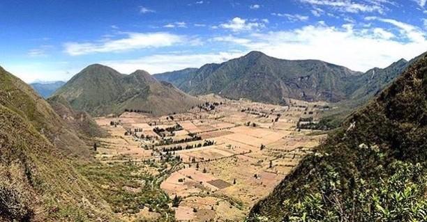 ★ PULULAHUA - PICHINCHA  By : @wendiinsg  #Pululahua #ProvinciaDePichincha #DiscoverEcuador #EcuadorPotenciaTuristica #EcuadorTuristico #EcuadorAmaLavida #EcuadorPrimero #Ecuador #SoClose #LikeNoWhereElse #ViajaPrimeroEcuador #AllInOnePlace #AllYouNeedIsEcuador #PaisajesEcuador #PaisajesEcuador593 #FeelAgainInEcuador #Love #Nature_Wizards #Nature_Perfections #Wow_America #World_Shots #WorldCaptures