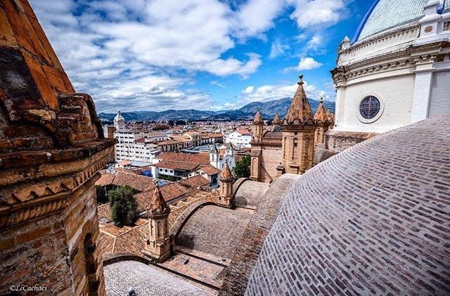 ★ CUENCA - AZUAY  By : @lecachacs  #Cuenca #ProvinciaDeAzuay #DiscoverEcuador #EcuadorPotenciaTuristica #EcuadorTuristico #EcuadorAmaLavida #EcuadorPrimero #Ecuador #SoClose #LikeNoWhereElse #ViajaPrimeroEcuador #AllInOnePlace #AllYouNeedIsEcuador #PaisajesEcuador #PaisajesEcuador593 #FeelAgainInEcuador #Love #Nature_Wizards #Nature_Perfections #Wow_America #World_Shots #WorldCaptures