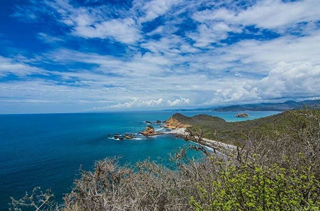 ★ LOS FRAILES - PARQUE NACIONAL MACHALILLA - MANABÍ  By : @eliassuarez12  #LosFrailes #ProvinciaDeManabí #DiscoverEcuador #EcuadorPotenciaTuristica #EcuadorIsAllyouNeed #EcuadorTuristico #EcuadorAmaLavida #EcuadorPrimero #Ecuador #SoClose #LikeNoWhereElse #ViajaPrimeroEcuador #AllInOnePlace #AllYouNeedIsEcuador #PaisajesEcuador #PaisajesEcuador593 #FeelAgainInEcuador #Love #Nature_Wizards #Nature_Perfections #Wow_America #World_Shots #WorldCaptures