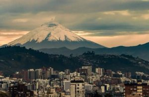★ QUITO CON VISTA DEL COTOPAXI  By : @jota_fotos  #Quito #Cotopaxi  #DiscoverEcuador #EcuadorPotenciaTuristica #EcuadorIsAllyouNeed #EcuadorTuristico #EcuadorAmaLavida #EcuadorPrimero #Ecuador #SoClose #LikeNoWhereElse #ViajaPrimeroEcuador #AllInOnePlace #AllYouNeedIsEcuador #PaisajesEcuador #PaisajesEcuador593 #FeelAgainInEcuador #Love #Nature_Wizards #Nature_Perfections #Wow_America #World_Shots #WorldCaptures