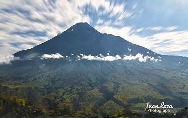 "★ VOLCÁN ""MAMA"" TUNGURAHUA  By : @ivanlozafotos  #Tungurahua #ProvinciaDeTungurahua #DiscoverEcuador #EcuadorPotenciaTuristica #EcuadorIsAllyouNeed #EcuadorTuristico #EcuadorAmaLavida #EcuadorPrimero #Ecuador #SoClose #LikeNoWhereElse #ViajaPrimeroEcuador #AllInOnePlace #AllYouNeedIsEcuador #PaisajesEcuador #PaisajesEcuador593 #FeelAgainInEcuador #Love #Nature_Wizards #Nature_Perfections #Wow_America #World_Shots #WorldCaptures"