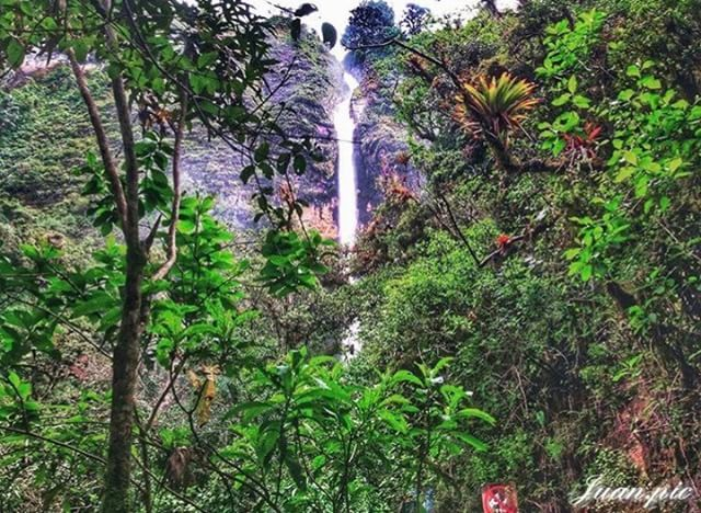 ★ EL CHORRO DE GIRÓN - AZUAY  By : @juan.pic  #ChorroDeGirón #ProvinciaDeAzuay #DiscoverEcuador #EcuadorPotenciaTuristica #EcuadorIsAllyouNeed #EcuadorTuristico #EcuadorAmaLavida #EcuadorPrimero #Ecuador #SoClose #LikeNoWhereElse #ViajaPrimeroEcuador #AllInOnePlace #AllYouNeedIsEcuador #PaisajesEcuador #PaisajesEcuador593 #FeelAgainInEcuador #Love #Nature_Wizards #Nature_Perfections #Wow_America #World_Shots #WorldCaptures