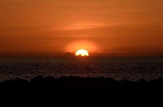 ★ ATARDECER EN GALÁPAGOS  By : @marioandre_romero  #Galápagos #DiscoverEcuador #EcuadorPotenciaTuristica #EcuadorIsAllyouNeed #EcuadorTuristico #EcuadorAmaLavida #EcuadorPrimero #Ecuador #SoClose #LikeNoWhereElse #ViajaPrimeroEcuador #AllInOnePlace #AllYouNeedIsEcuador #PaisajesEcuador #PaisajesEcuador593 #FeelAgainInEcuador #Love #Nature_Wizards #Nature_Perfections #Wow_America #World_Shots #WorldCaptures