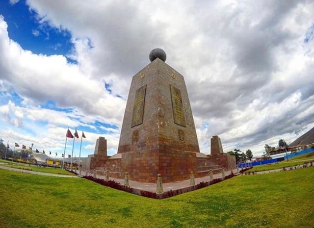 [:es]★ MITAD DEL MUNDO - PICHINCHA By : @omarherre[:en]★ MITAD DEL MUNDO - PICHINCHA By : @omarherre#MitadDelMundo #ProvinciaDePichincha #DiscoverEcuador #EcuadorPotenciaTuristica #EcuadorIsAllyouNeed #EcuadorTuristico #EcuadorAmaLavida #EcuadorPrimero #Ecuador #SoClose #LikeNoWhereElse #ViajaPrimeroEcuador #AllInOnePlace #AllYouNeedIsEcuador #PaisajesEcuador #PaisajesEcuador593 #FeelAgainInEcuador #Love #Nature_Wizards #Nature_Perfections #Wow_America #World_Shots #WorldCaptures[:]