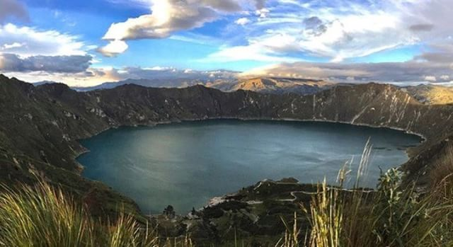 ★ LAGUNA DE QUILOTOA - COTOPAXI  By : @erickramosb  #Quilotoa #ProvinciaDeCotopaxi #EcuadorPotenciaTuristica #EcuadorIsAllyouNeed #EcuadorTuristico #EcuadorAmaLavida #EcuadorPrimero #Ecuador #SoClose #LikeNoWhereElse #ViajaPrimeroEcuador #AllInOnePlace #AllYouNeedIsEcuador #PaisajesEcuador #PaisajesEcuador593 #FeelAgainInEcuador #Love #Nature_Wizards #Nature_Perfections #Wow_America #World_Shots #WorldCaptures