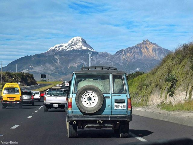 🔝 📷:@victorborjaec | Panamericana Sur. Volcán Illiniza,  Ec. #nature#natura#naturaleza#landscape#allyouneedisecuador#ecuadoramalavida#ecuafoto#photooftheday#southamerica#road#travel#volcano#volcanic#mountains#photography#fotografia#fotografía#car#capture#capture_today#fotoencantada#great_captures_americas#world_captures#visitecuador#ecuador#loves_americas#apreciadores_natureza