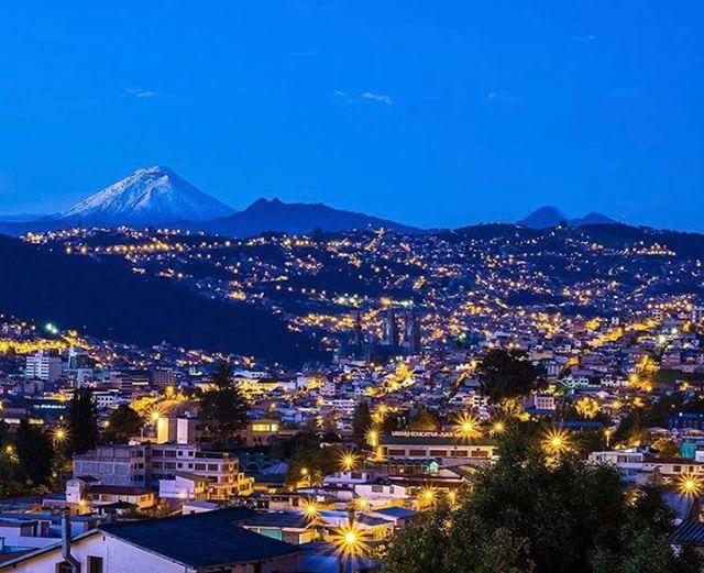 ★ QUITO CON VISTA DEL COTOPAXI  By : @everywhereplease  #Quito #ProvinciaDePichincha #EcuadorPotenciaTuristica #EcuadorIsAllyouNeed #EcuadorTuristico #EcuadorAmaLavida #EcuadorPrimero #Ecuador #SoClose #LikeNoWhereElse #ViajaPrimeroEcuador #AllInOnePlace #AllYouNeedIsEcuador #PaisajesEcuador #PaisajesEcuador593 #FeelAgainInEcuador #Love #Nature_Wizards #Nature_Perfections #Wow_America #World_Shots #WorldCaptures