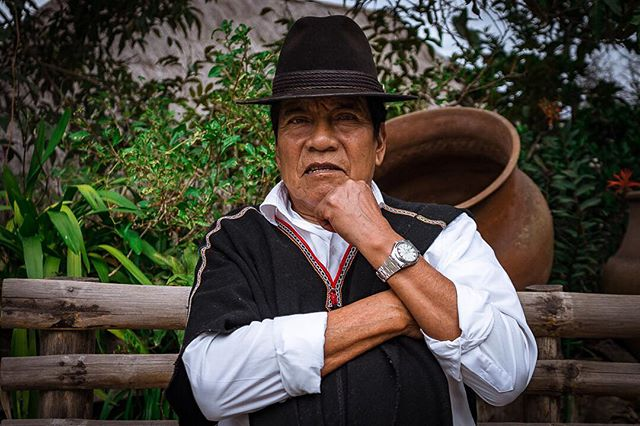 🔝 📷:@atmos59 | Yo soy Salasaca. . . . . . . . . . . #portrait #portraitphotography #nature #sony #sonyphotography #photography #artisan #craftsman #lovenature #planetearth #ecuador #sonyalpha #a7 #portraits #beautiful #tribe #ethnic #highlands #sierra #ecuadorian #indigena #instaecuador #instaportrait #quechua #southamerica #ethnicgroup #ecuadoramalavida #artesano #peopleoftheworld
