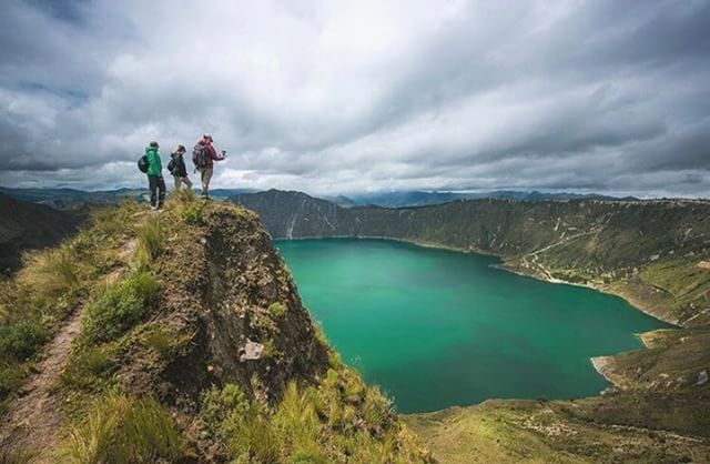 ★ LAGUNA DE QUILOTOA - COTOPAXI  By : @overlandtheamericas  #Quilotoa #ProvinciaDeCotopaxi #EcuadorPotenciaTuristica #EcuadorIsAllyouNeed #EcuadorTuristico #EcuadorAmaLavida #EcuadorPrimero #Ecuador #SoClose #LikeNoWhereElse #ViajaPrimeroEcuador #AllInOnePlace #AllYouNeedIsEcuador #PaisajesEcuador #PaisajesEcuador593 #FeelAgainInEcuador #Love #Nature_Wizards #Nature_Perfections #Wow_America #World_Shots #WorldCaptures