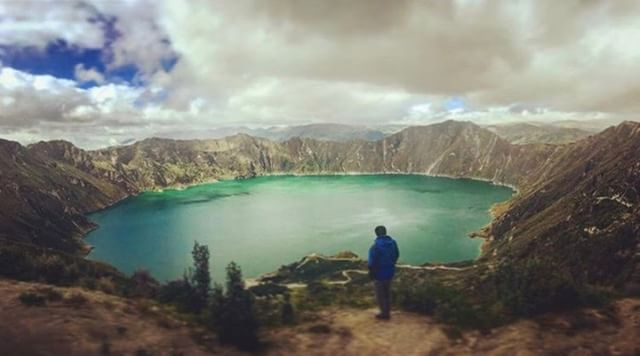 LAGUNA DE QUILOTOA - COTOPAXI  By : @raulnomada  #Quilotoa #ProvinciaDeCotopaxi #EcuadorPotenciaTuristica #EcuadorIsAllyouNeed #EcuadorTuristico #EcuadorAmaLavida #EcuadorPrimero #Ecuador #SoClose #LikeNoWhereElse #ViajaPrimeroEcuador #AllInOnePlace #AllYouNeedIsEcuador #PaisajesEcuador #PaisajesEcuador593 #FeelAgainInEcuador #Love #Nature_Wizards #Nature_Perfections #Wow_America #World_Shots #WorldCaptures