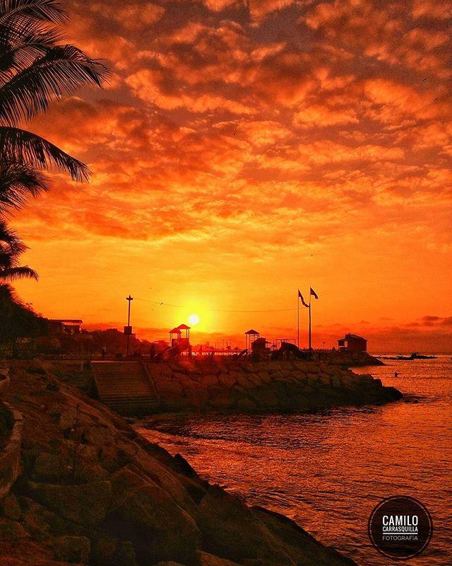 Malecon De La Libertad Foto Destacada por: @camilo_carrasquilla98 | Playa de Libertad 🌊 Santa Elena - Ecuador ❤ . . . #instameetec #ec...