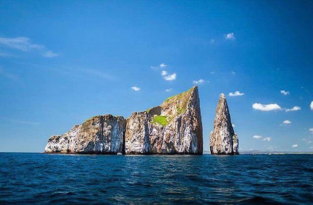 LEÓN DORMIDO - GALÁPAGOS  By : @wanderthemap #LeónDormido #Galápagos #EcuadorPotenciaTuristica #EcuadorIsAllyouNeed #EcuadorTuristico #EcuadorAmaLavida #EcuadorPrimero #Ecuador #SoClose #LikeNoWhereElse #ViajaPrimeroEcuador #AllInOnePlace #AllYouNeedIsEcuador #PaisajesEcuador #PaisajesEcuador593 #FeelAgainInEcuador #Love #Nature_Wizards #Nature_Perfections #Wow_America #World_Shots #WorldCaptures