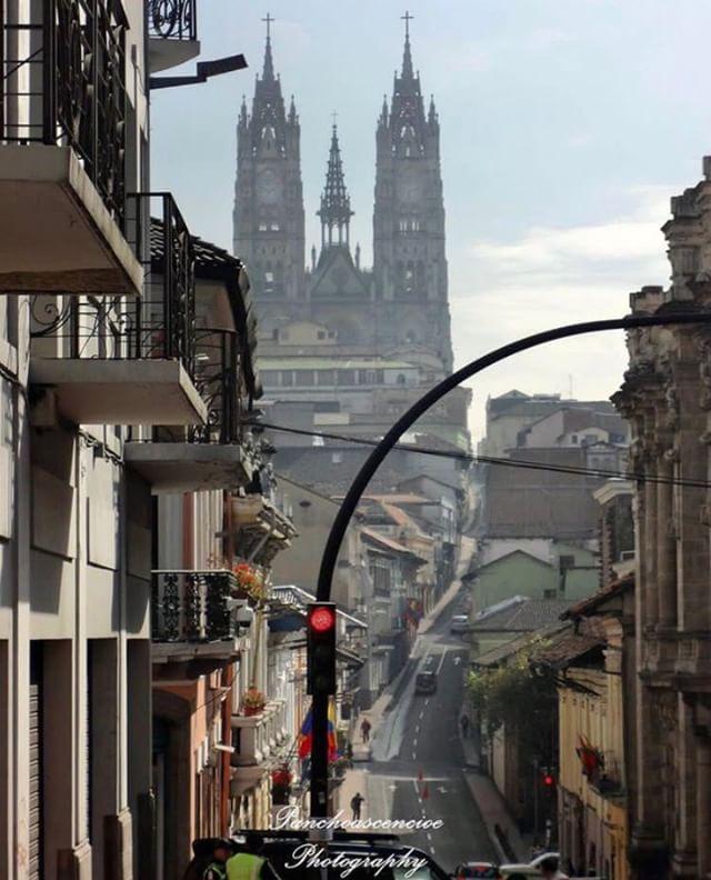 CENTRO HISTÓRICO DE QUITO  By : @panchoascencioe  #Quito #Provincia...