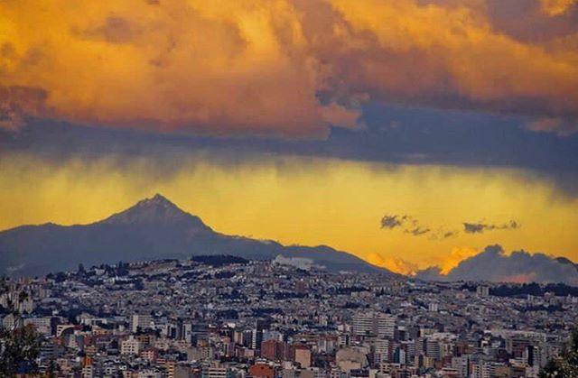 QUITO - PICHINCHA  By : @luisobandophoto  #Quito #ProvinciaDePichin...