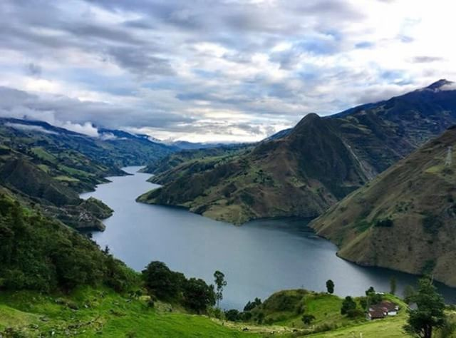 SEVILLA DE ORO - AZUAY By : @egaedu #SevillaDeOro #ProvinciaDeAzu...
