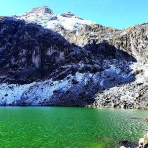 Foto Destacada por: @andresvillacismerino | Laguna Ilinizas!  #AllYouNeedIsEcuador #Ecuador #EcuadorAmaLaVida