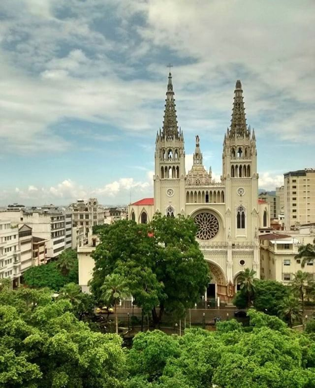GUAYAQUIL - GUAYAS By : @carla.patinoc #Guayaquil #ProvinciaDeGua...