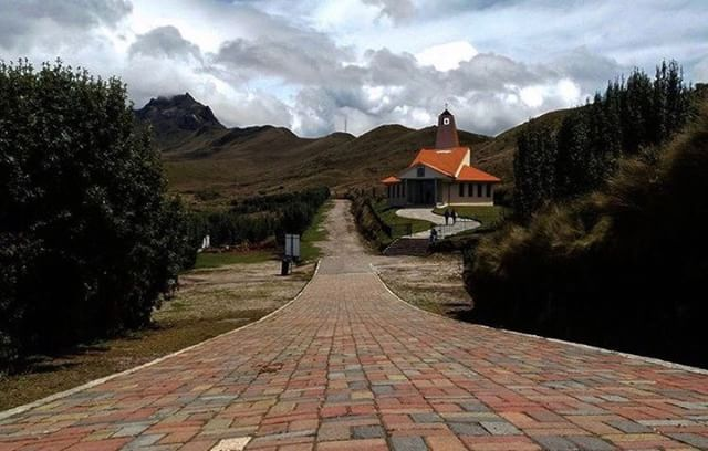 CAMINO AL RUCU PICHINCHA  By : @geovagm  #RucuPichincha #ProvinciaD…