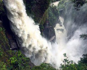 Pailon Del Diablo – Ecuador – Baños Foto Destacada por: @msdavisspanish | Lotsa rain = lotsa waterfall 😳