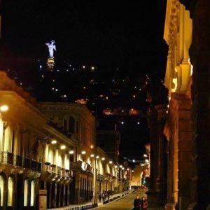 QUITO - PICHINCHA  By : @andi_jmz #Quito #ProvinciaDePichincha #Ec...
