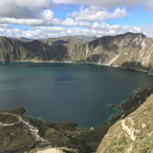 Quilotoa Foto Destacada por: @dillison | I camped here and watched a full moon rise with my travel wife and ...