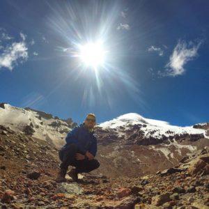 Volcan Chimborazo, Ecuador Foto Destacada por: @constanzorun | Brillante mañana para visitar el punto más lejano desde el centro d...