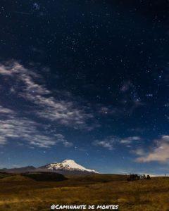 Parque Nacional Cayambe – Coca Foto Destacada por: @caminante.de.montes | El Cayambe bajo las estrellas. Ecuador.  #cayambe #cayambevolcano #…