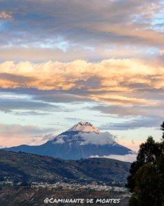 Volcán Tungurahua Foto Destacada por: @caminante.de.montes | Nieve en el volcán. Tungurahua, Ecuador.  #tungurahua #tungurahuavo…