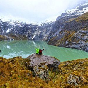 Nevado altar y la Laguna amarilla en el parqu... PH: david_salgado_