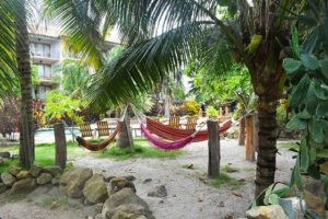 Llegó el fin de semana! Que tal un relajante … PH: canoabeachhotel