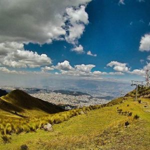 TELEFÉRICO QUITO - PICHINCHA  By: @kebiin_bo #Quito #Prov