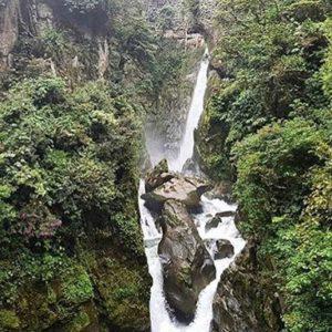 Cascada El Pailon Del Diablo 📷:@bryanddavid #Ecu