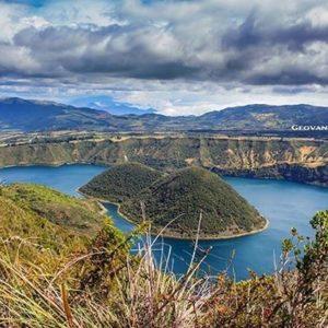 Laguna Cuicocha 📷: @geovannyaldaz #