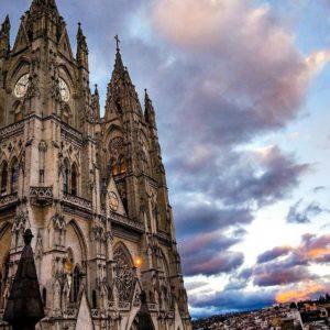 Basílica del Voto Nacional. . . By: @jhonatann_lml  #FotografiandoEcuador #ecuadorpot