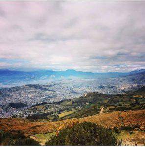 Espectacular vista de Quito, desde el te