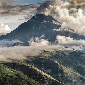 Volcán Tungurahua. Foto: @hvdov #FotografiandoEcuador #ecuadorpotenciaturística #ec