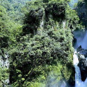 BAÑOS DE AGUA SANTA - PAILÓN DEL DIABLO - PROVINCIA DE TUNGURAHUA By: @fotosdelkalo #B