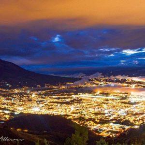 """""""La Ciudad Blanca"""" Ibarra, provincia de Imbabura, Ecuador #allyouneedisecuador #Ibarra #la... PH: davidfvillacres"""
