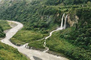 Baños, Tungurahua, Ecuador  BAÑOS DE AGUA SANTA – PROVINCIA DE TUNGURAHUA  By: @dchuchuca  #Baños #ProvinciaDeTu